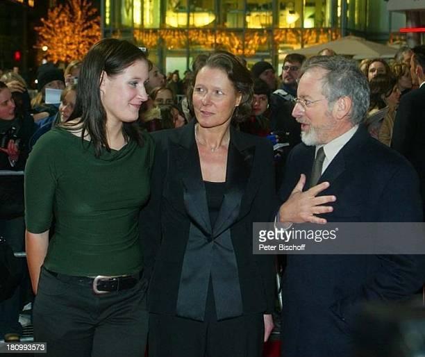 Steven Spielberg Christina Rau Tochter Anna Rau KinoPremiere 'Catch me if you can' Berlin Deutschland Europa DZBank Pariser Platz PNr 133/03 TM/GT