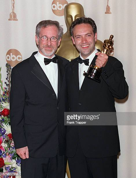 Steven Spielberg congratulates Sam Mendes whose film 'American Beauty' won five Oscars
