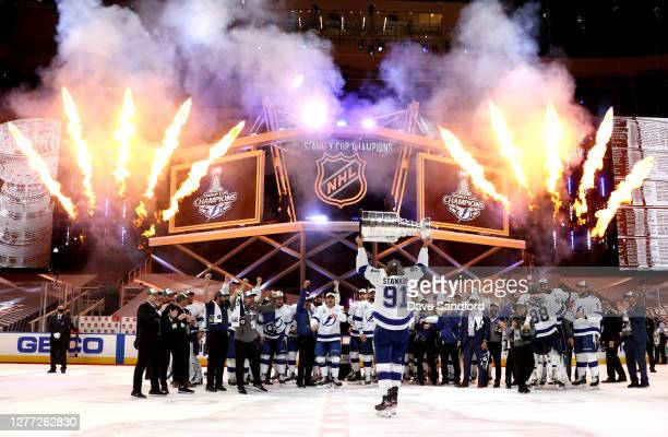 Steven Stamkos of the Tampa Bay Lightning hoists the Stanley Cup overhead after the Tampa Bay Lightning defeated the Dallas Stars 20 in Game Six of...