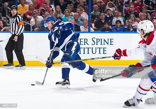 Steven Stamkos of the Tampa Bay Lightning shoots the puck for a goal against the Montreal Canadiens during the first period at the Amalie Arena on...