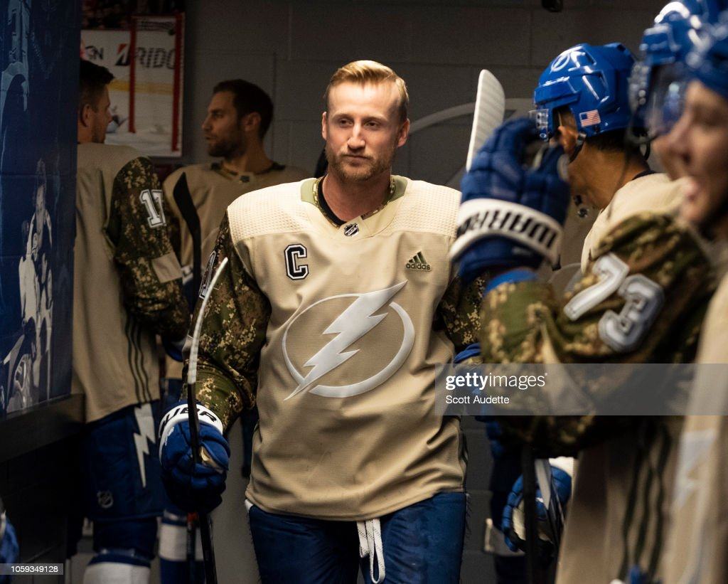 official photos 2ac03 c1549 Steven Stamkos of the Tampa Bay Lightning wears a camouflage ...