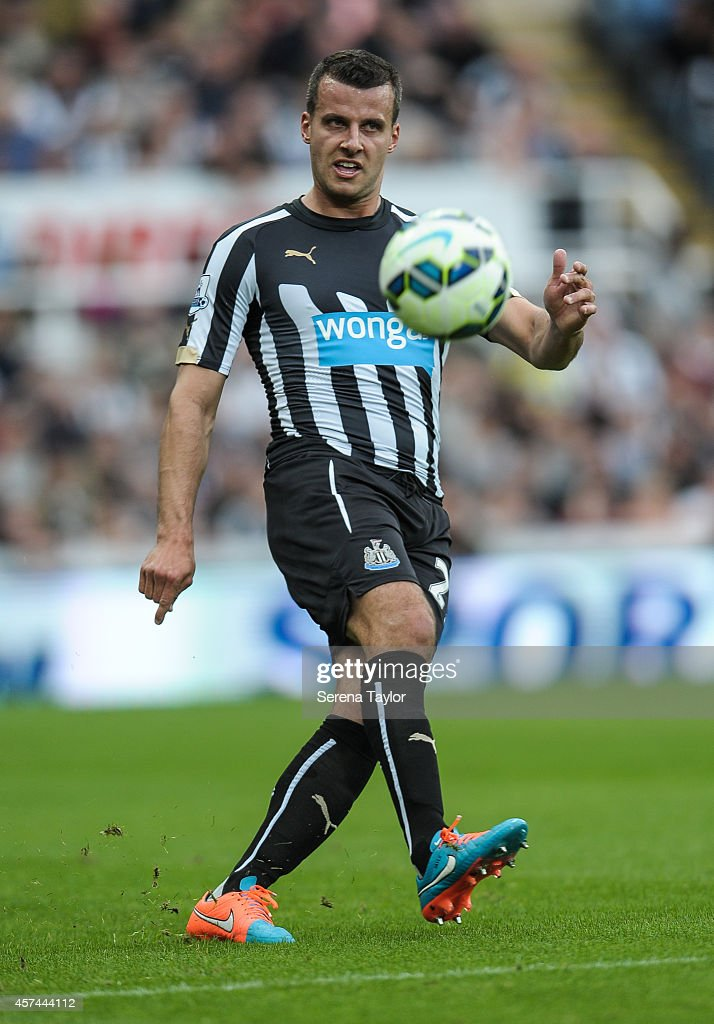 Newcastle United v Leicester City - Barclays Premier League : News Photo
