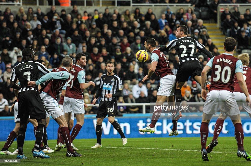 Newcastle United v Burnley - Barclays Premier League : News Photo