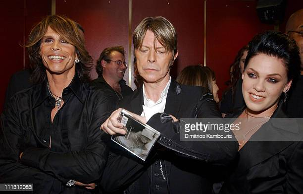 Steven Tyler David Bowie and Pink during 2002 VH1 Vogue Fashion Awards Backstage and Audience at Radio City Music Hall in New York City New York...