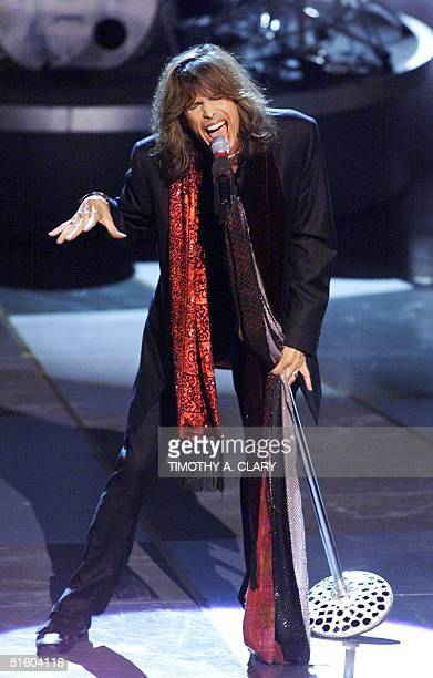Steven Tyler from the rock group Aerosmith performs 'I Don't Want to Miss a Thing' from the nominated movie 'Armageddon' during the 71st Academy...
