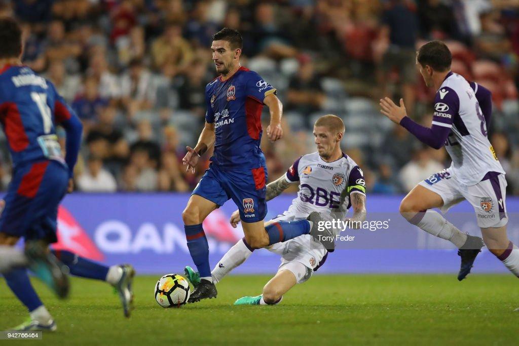 A-League Rd 26 - Newcastle v Perth : News Photo