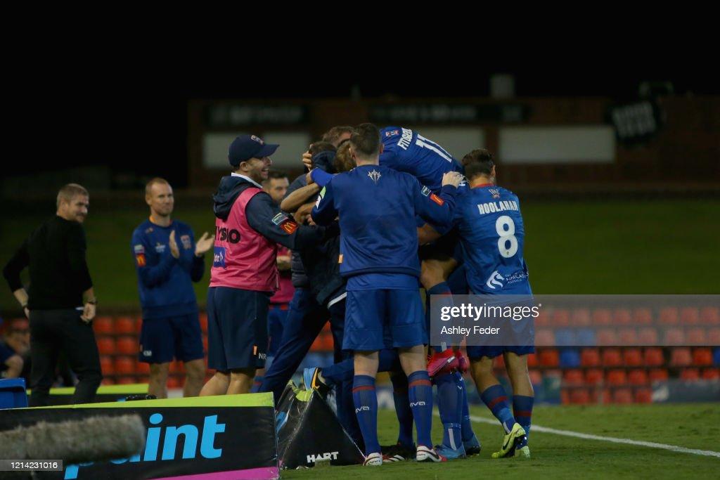 A-League Rd 26 - Newcastle v Melbourne City : ニュース写真