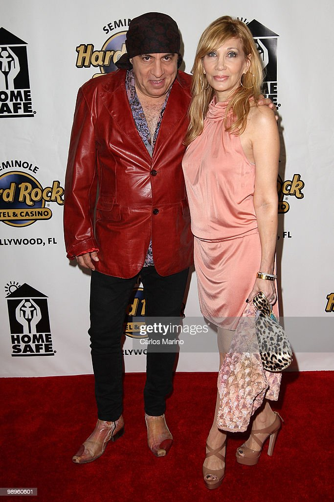 Steven Van Zandt and Maureen Van Zandt attend Clarence Clemons Classic Benefitting Homesafe at Seminole Hard Rock Hotel on May 8, 2010 in Hollywood, Florida.