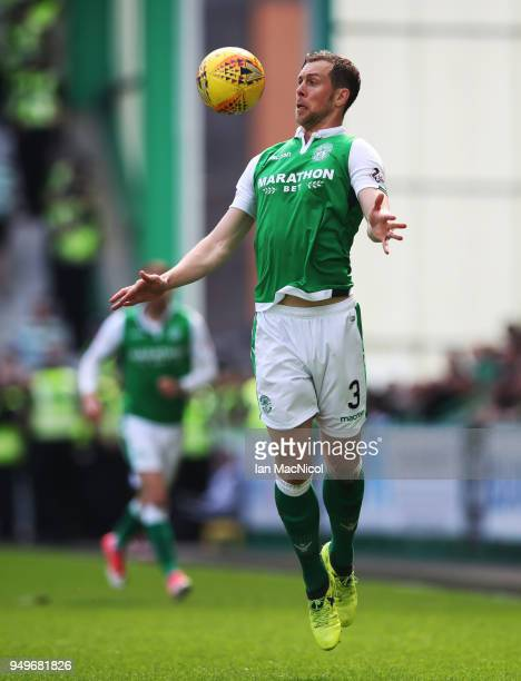 Steven Whittaker of Hibernian controls the ball during the Ladbrokes Scottish Premiership match between Hibernian and Celtic at Easter Road on April...