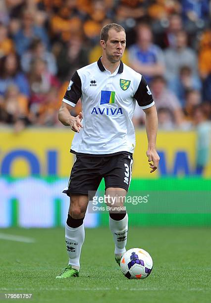 Steven Whittaker of Norwich City in action during the Barclays Premier League match between Hull City and Norwich City at the KC Stadium on August 24...
