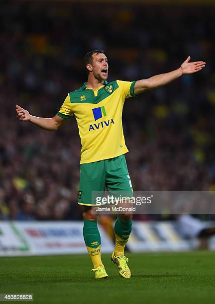 Steven Whittaker of Norwich in action during the Sky Bet Championship match between Norwich City and Blackburn Rovers at Carrow Road on August 19...
