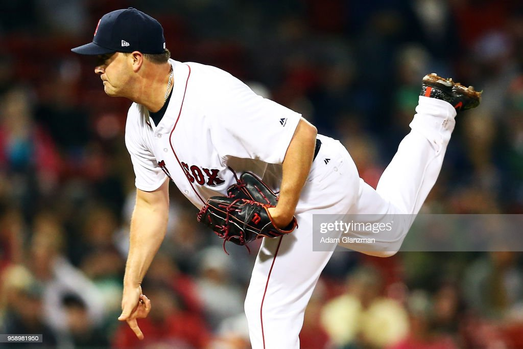 Steven Wright #35 of the Boston Red Sox pitches in the sixth inning of a game against the Oakland Athletics at Fenway Park on May 15, 2018 in Boston, Massachusetts.