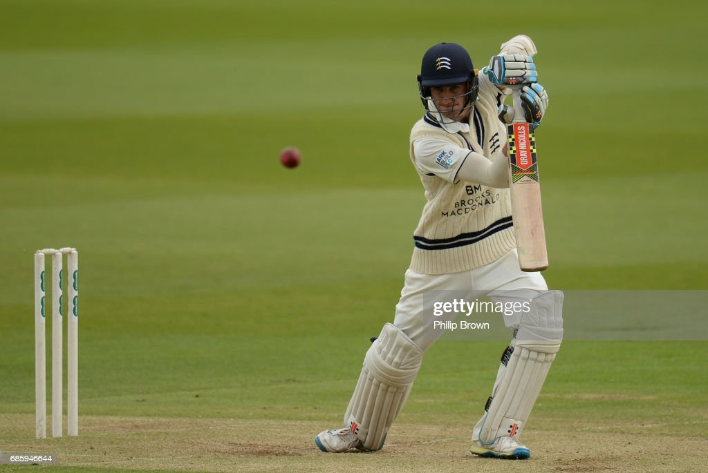Middlesex v Surrey - Specsavers County Championship: Division One - Day 2 : News Photo