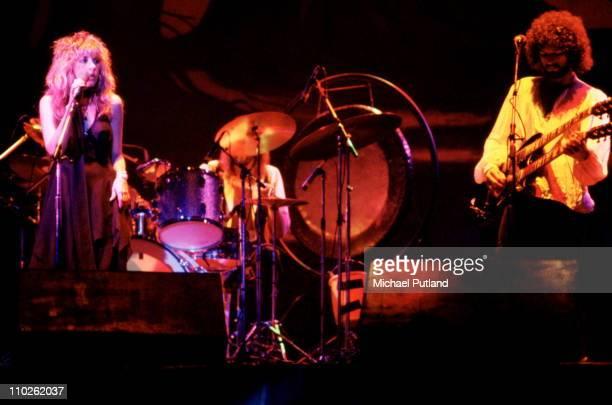 Stevie Nicks and Lindsey Buckingham of Fleetwood Mac perform on stage, New York, 1977.