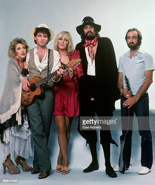 UNITED STATES JANUARY 01 FLEETWOOD MAC LR Stevie Nicks Lindsey Buckingham Christine McVie Mick Fleetwood John McVie posed backstage at Brendan Byrne...