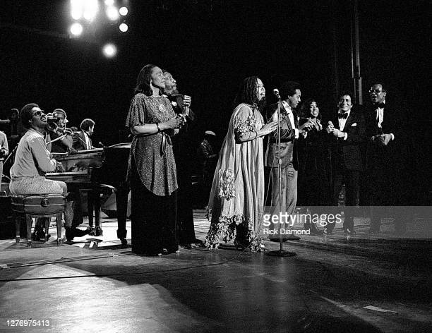 Stevie Wonder, Coretta Scott King, Dick Gregory, Roberta Flack, Peabo Bryson, Guest, Tony Bennett and Harry Belafonte during M.L.K Gala at The...