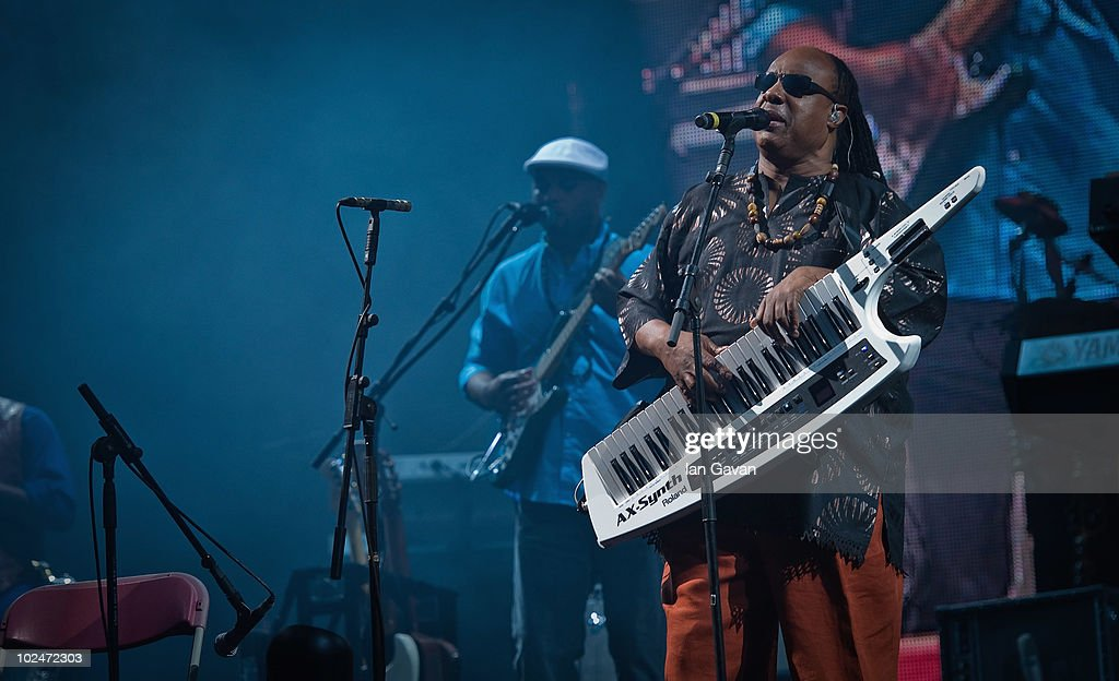 Glastonbury Music Festival: 40th Anniversary - Day 4 : News Photo