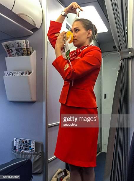 descarte de dar instruções de segurança antes do voo - instruções - fotografias e filmes do acervo