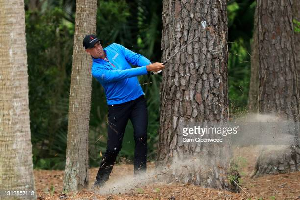 Stewart Cink of the United States plays a shot on the 12th hole during the second round of the RBC Heritage on April 16, 2021 at Harbour Town Golf...