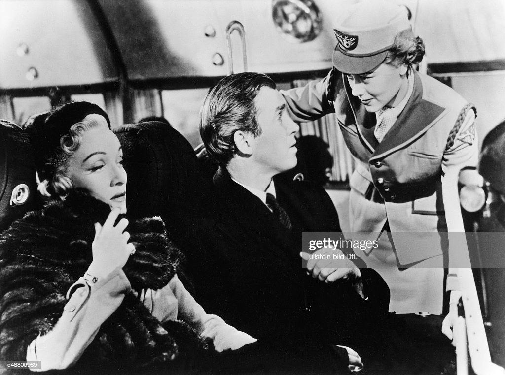 Stewart, James - Actor, USA - *20.05.1908-02.07.1997+ Scene from the movie 'No Highway' with Marlene Dietrich and Glynis Johns Directed by: Henry Koster Great Britain / USA 1951 Film Production: 20th Century Fox Vintage property of ullstein bild : News Photo