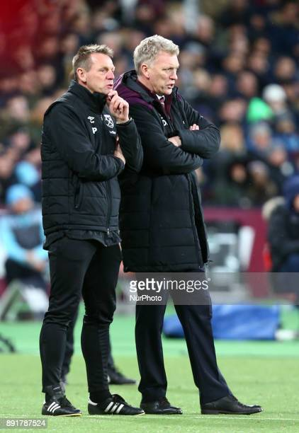 LR Stewart Pearce and David Moyes of West Ham Unitedduring Premier League match between West Ham United against Arsenal at The London Stadium Queen...