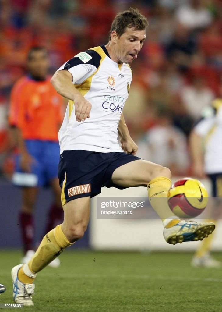 Stewart Petrie of the MAriners in action during the round ten Hyundai A-League match between the Queensland Roar and the Central Coast Mariners at Suncorp Stadium on October 28, 2006 in Brisbane, Australia.