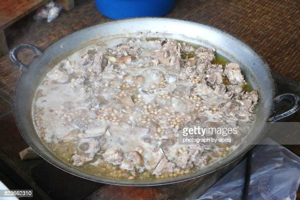 Stewed pork with ground peanut