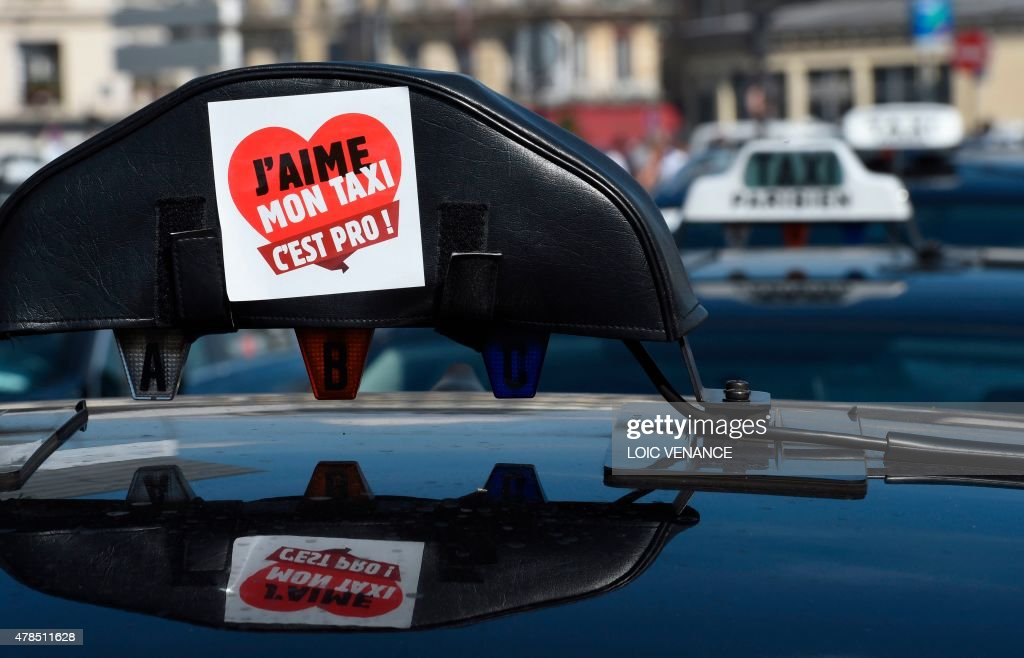A Sticker Reading I Love My Taxi Its Professional Is Pictured On - Taxi porte maillot