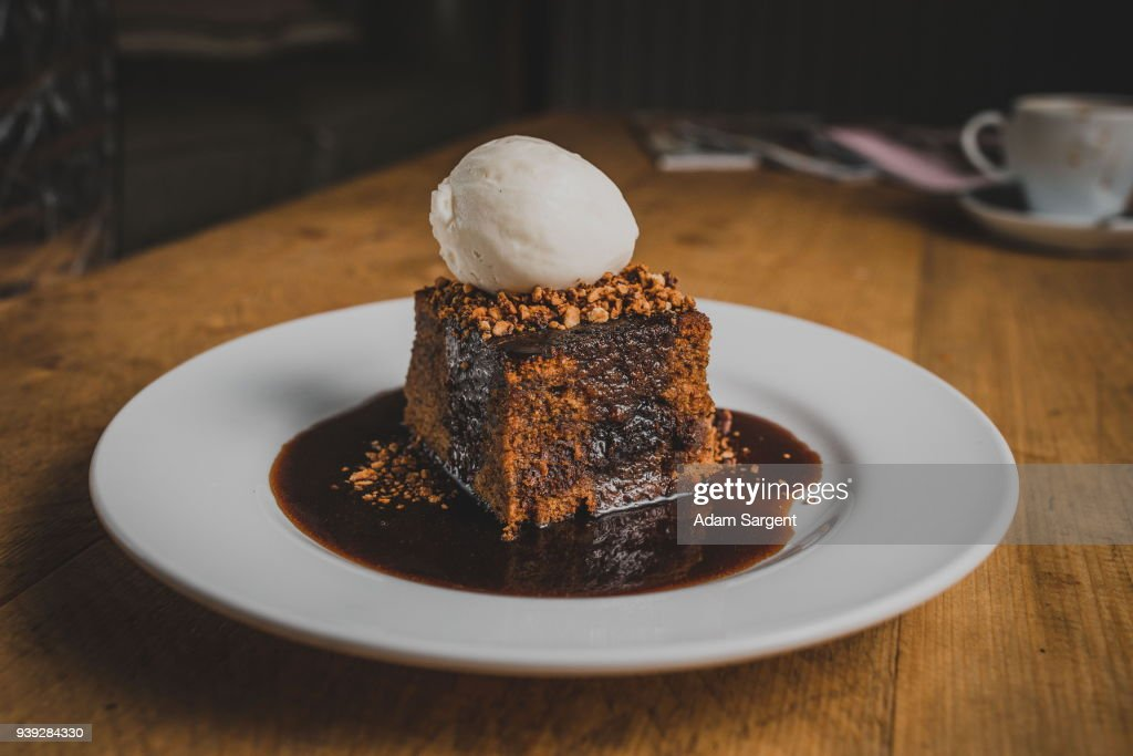 Sticky toffee pudding : Stock Photo