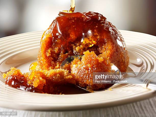 Sticky toffee sponge pudding