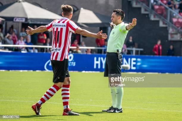 Stijn Spierings of Sparta Rotterdam referee Dennis Higler during the Dutch Jupiler League playoffs final match between Sparta Rotterdam and FC Emmen...