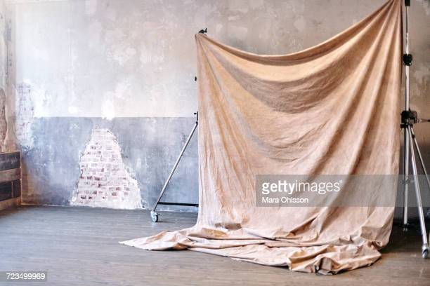 still life of photography backdrop in studio - kulisse bühne stock-fotos und bilder