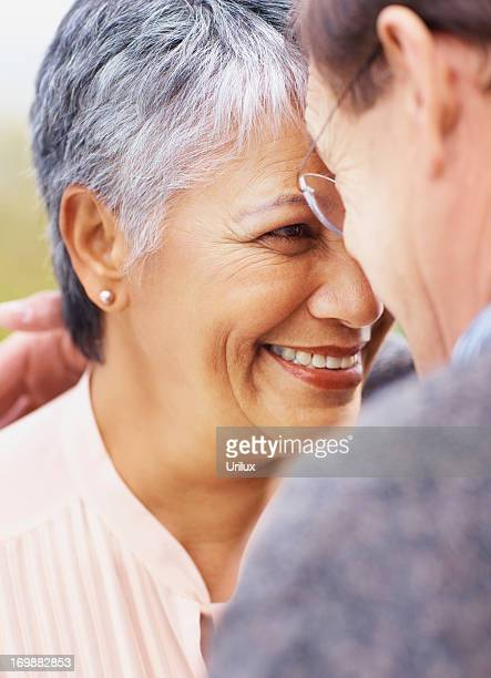 still looking in to each others eyes - category:cs1_maint:_others stock pictures, royalty-free photos & images