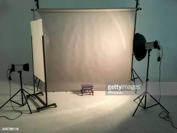 still photo studio set - fotosession stock-fotos und bilder