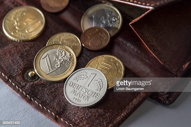 Still valid means of payment The department stores Kaufland and CA legally accept coins from the Dmark period Our picture shows a purse with euro...
