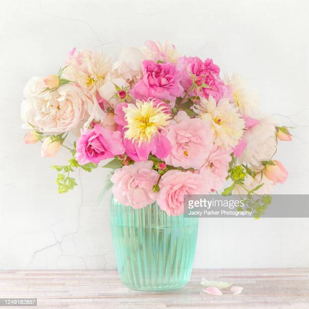 253 404 Flower Arrangement Photos And Premium High Res Pictures Getty Images