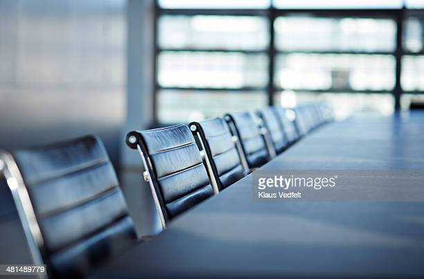 still-life of chairs in big stylish conferenceroom - tavolo da conferenza foto e immagini stock