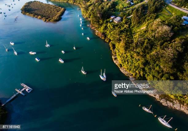 stillwater marina boat ramp, auckland, new zealand. - ファンガパラオア半島 ストックフォトと画像
