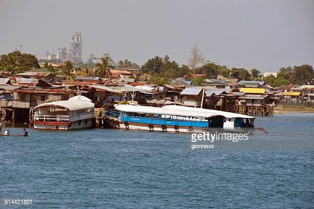cigüeñuelas casas de davao waterfront, mindanao - davao city fotografías e imágenes de stock