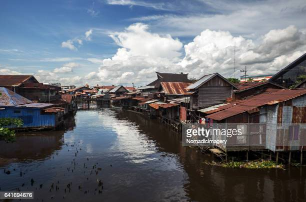 Stilt village in the City Banjarmasin contrast