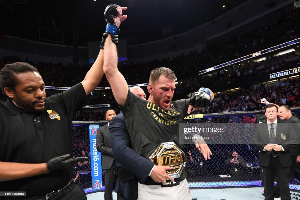 UFC 241: Cormier v Miocic : News Photo