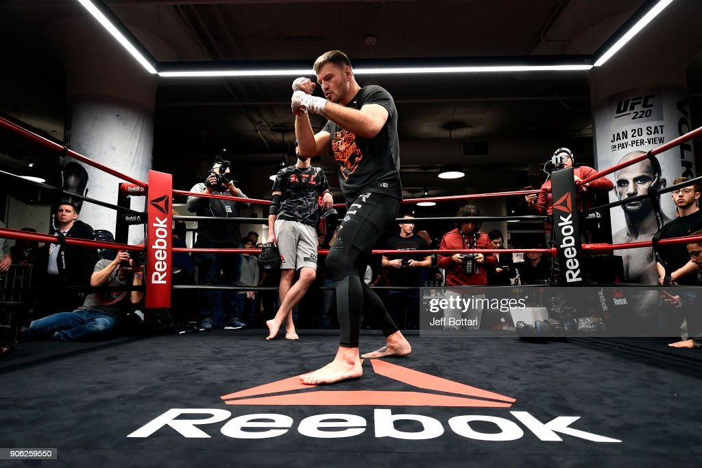 UFC 220: Open Workouts