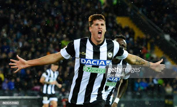 Stipe Perica of Udinese Calcio celebrates after scoring his opening goal during the Serie A match between Udinese Calcio and Juventus at Stadio...