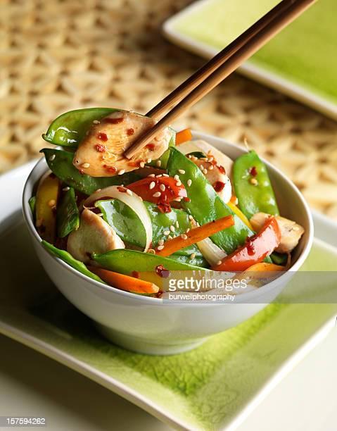 チキン、野菜炒め物