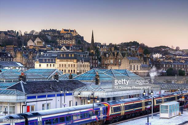 stirling city at dawn - stirling stock pictures, royalty-free photos & images