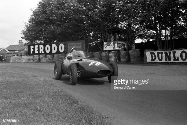 Stirling Moss, Vanwall VW 5, Grand Prix of Great Britain, Aintree, 20 July 1957.
