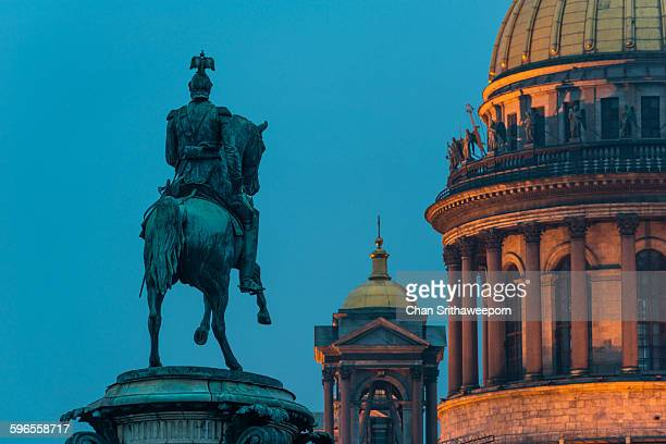 st.isaac's cathedral and the nicholas i monument - st. nicholas cathedral stock pictures, royalty-free photos & images