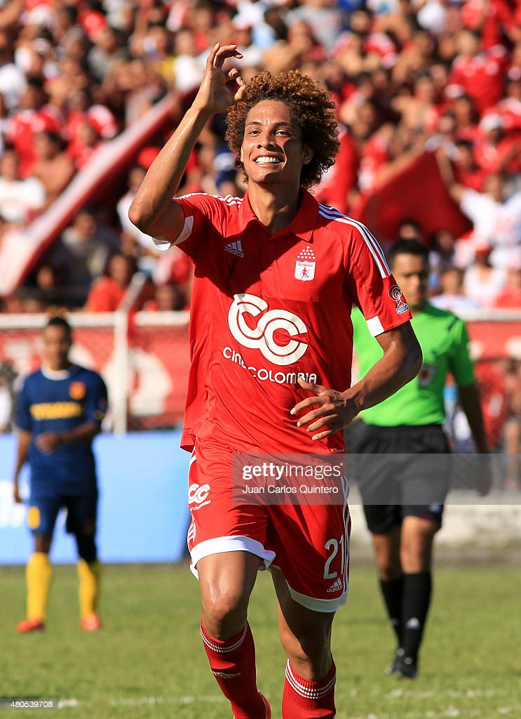 Stiven Tapiero of America de Cali celebrates after scoring the second goal of his team during a match between America de Cali and Bogota FC as part of 17th round of Torneo Aguila 2015 at 12 de Octubre Stadium on July 12, 2015 in Tulua, Colombia.