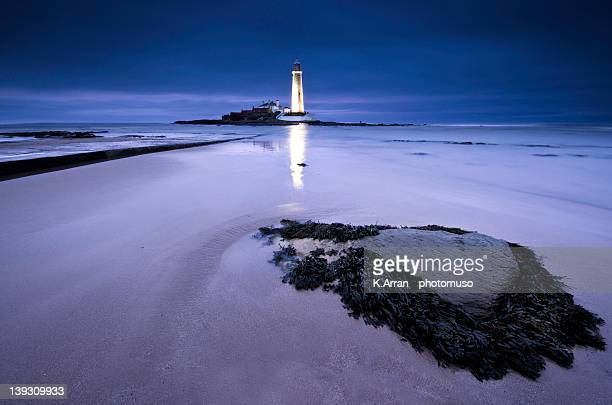 st.marys lighthouse, blue hour - whitley bay stock pictures, royalty-free photos & images