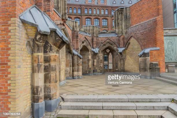st.-nikolai-kirche - hamburg (germany) - kirche imagens e fotografias de stock